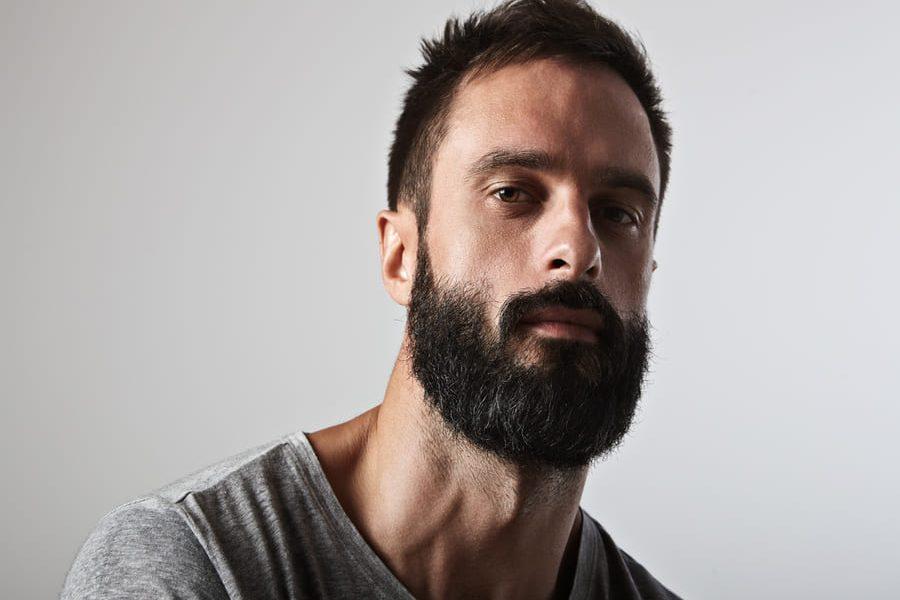 I migliori integratori per far crescere la barba